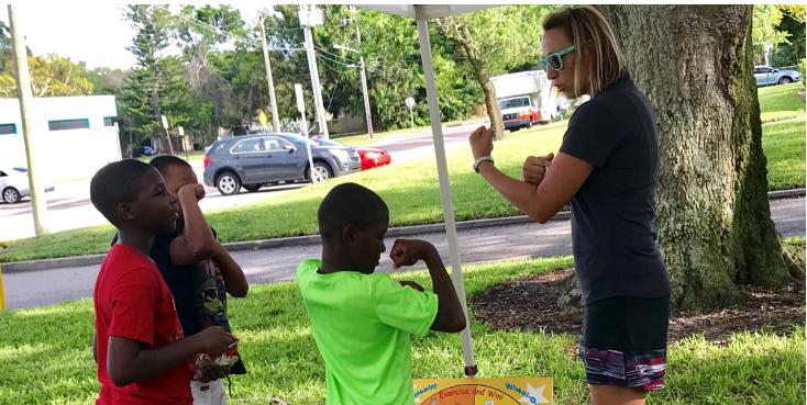 kids making muscle